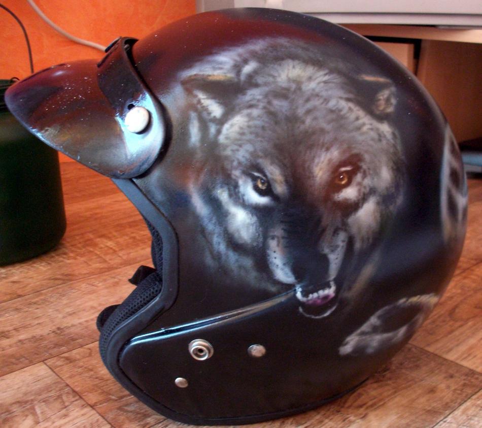 Helm Wolf, Airbrush 2015.jpg