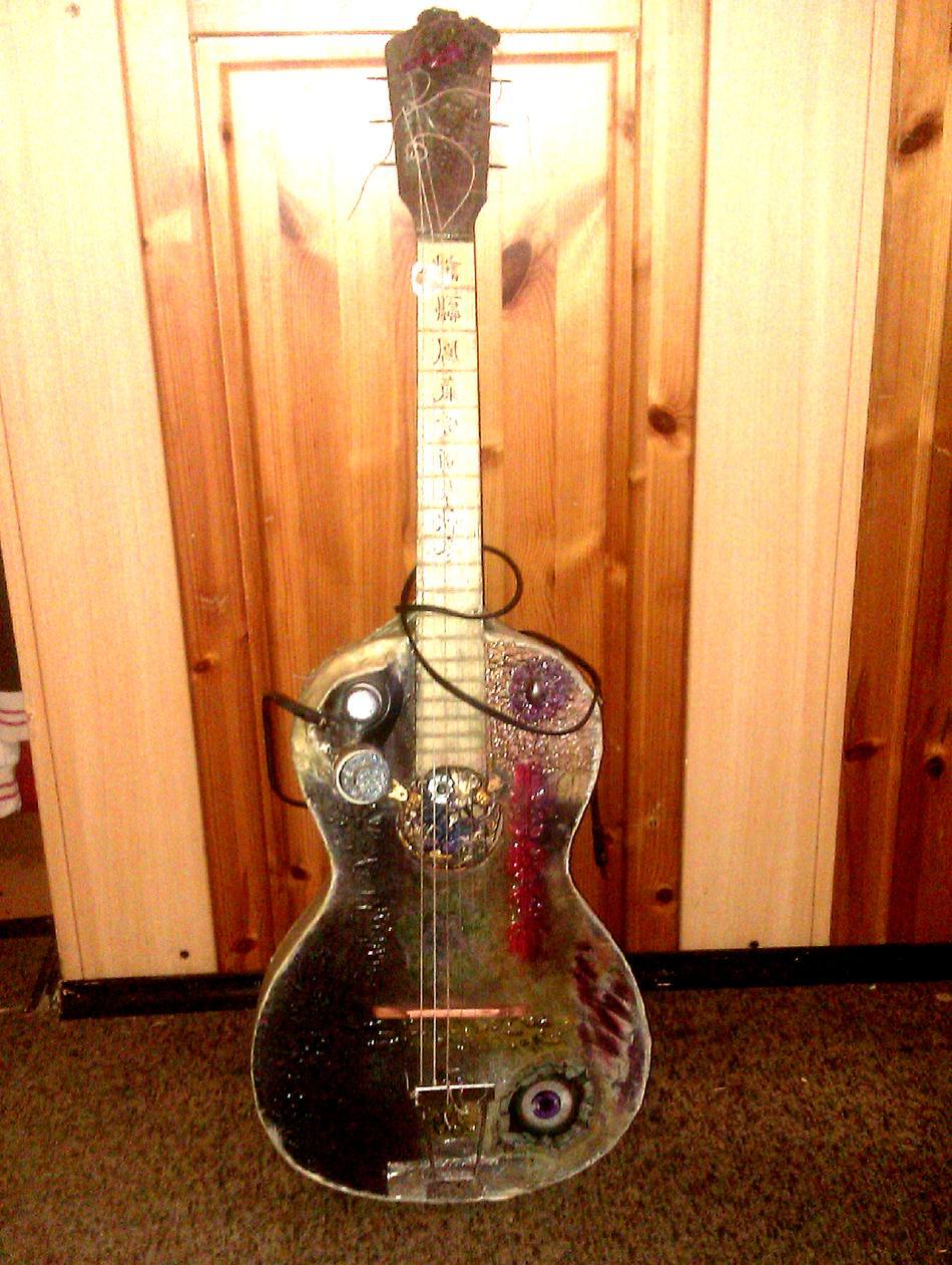 steampunk guitar.png
