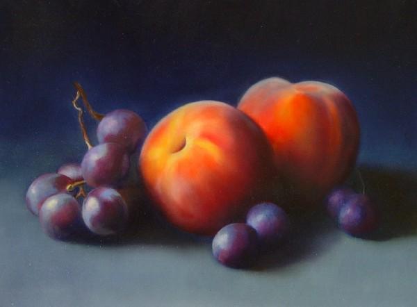 Pfirsiche und Trauben