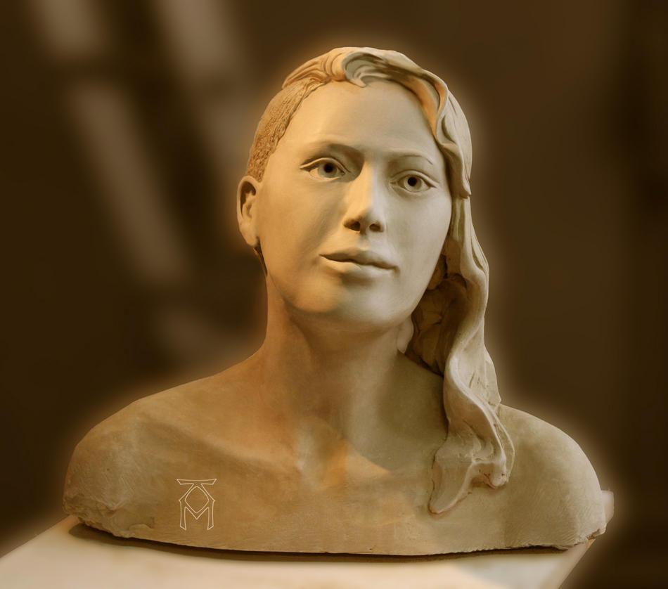 Andrea mit Sidecut (Ansicht 1)