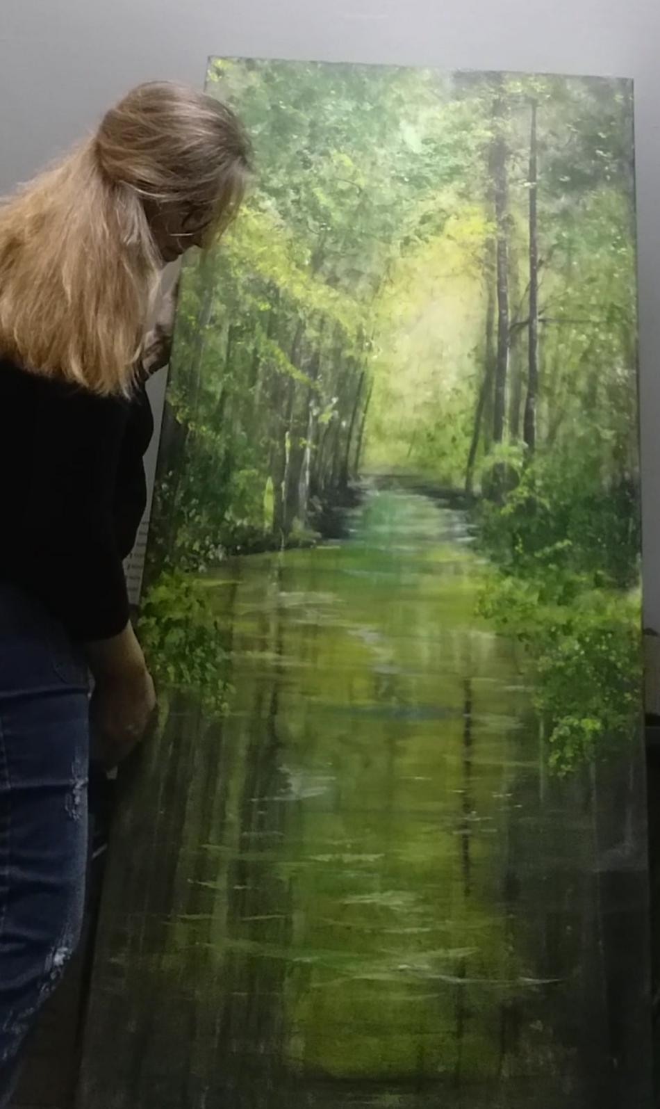 Wasserweg im Wald